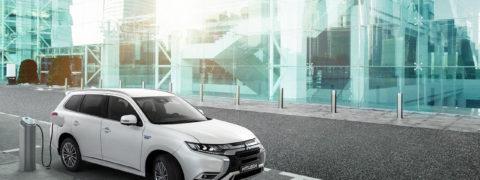 Mitsubishi Outlander PHEV recibirá un actualización antes de dar relevo a la cuarta generación