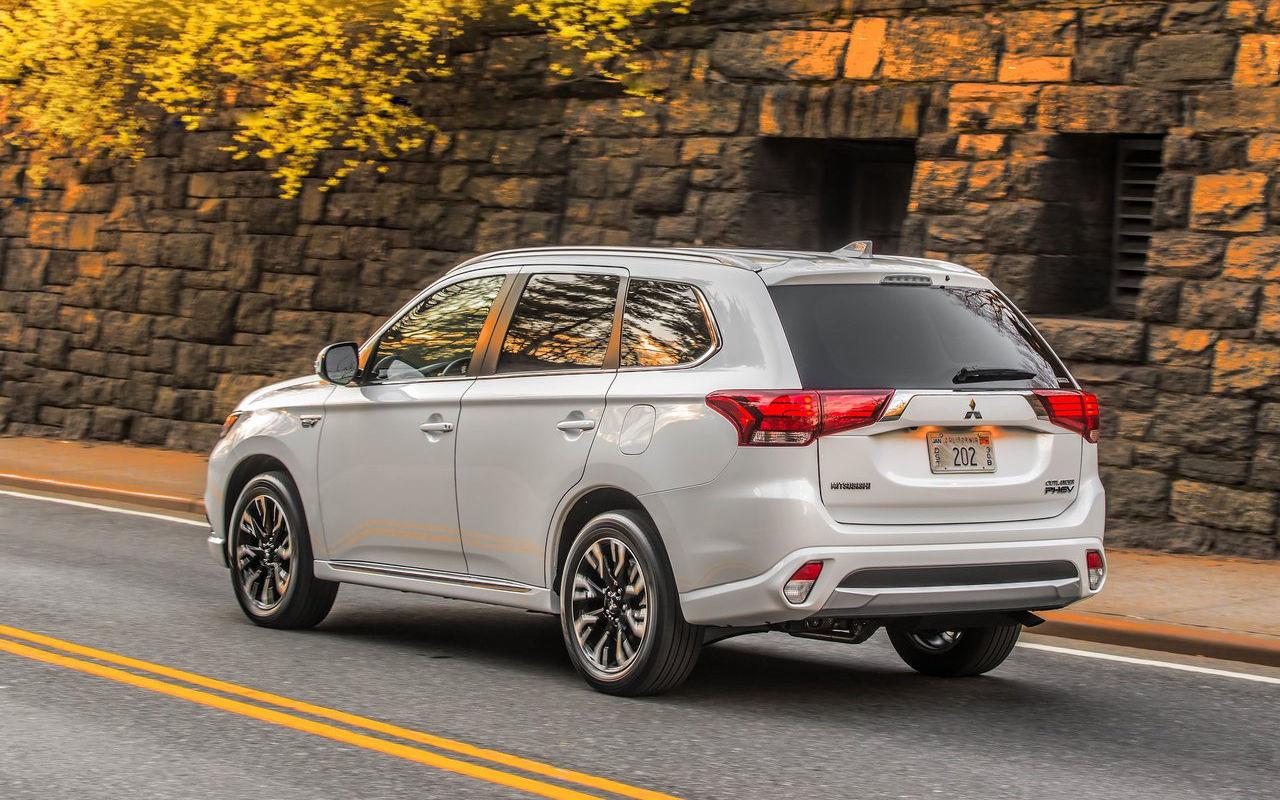 Ahorra hasta 5.000 euros en tu Mitsubishi híbrido enchufable con el Plan MOVES III