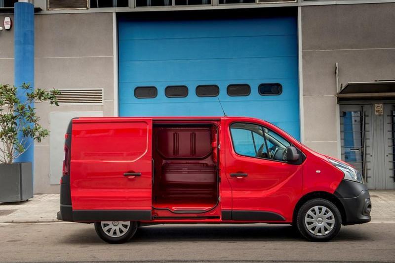 Repasamos la amplia Gama Nissan de Vehículos Comerciales 2020 - Nissan NV300