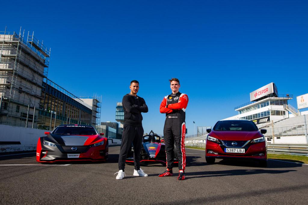 La estrella del fútbol Eden Hazard experimenta la potencia de los Vehículos Eléctricos Nissan